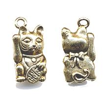CM051Maneki Cat Charm