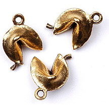 CM049 Fortune Cookie Charm Gold
